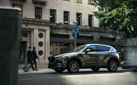 2019-Mazda-CX-5-Signature-001-EXT