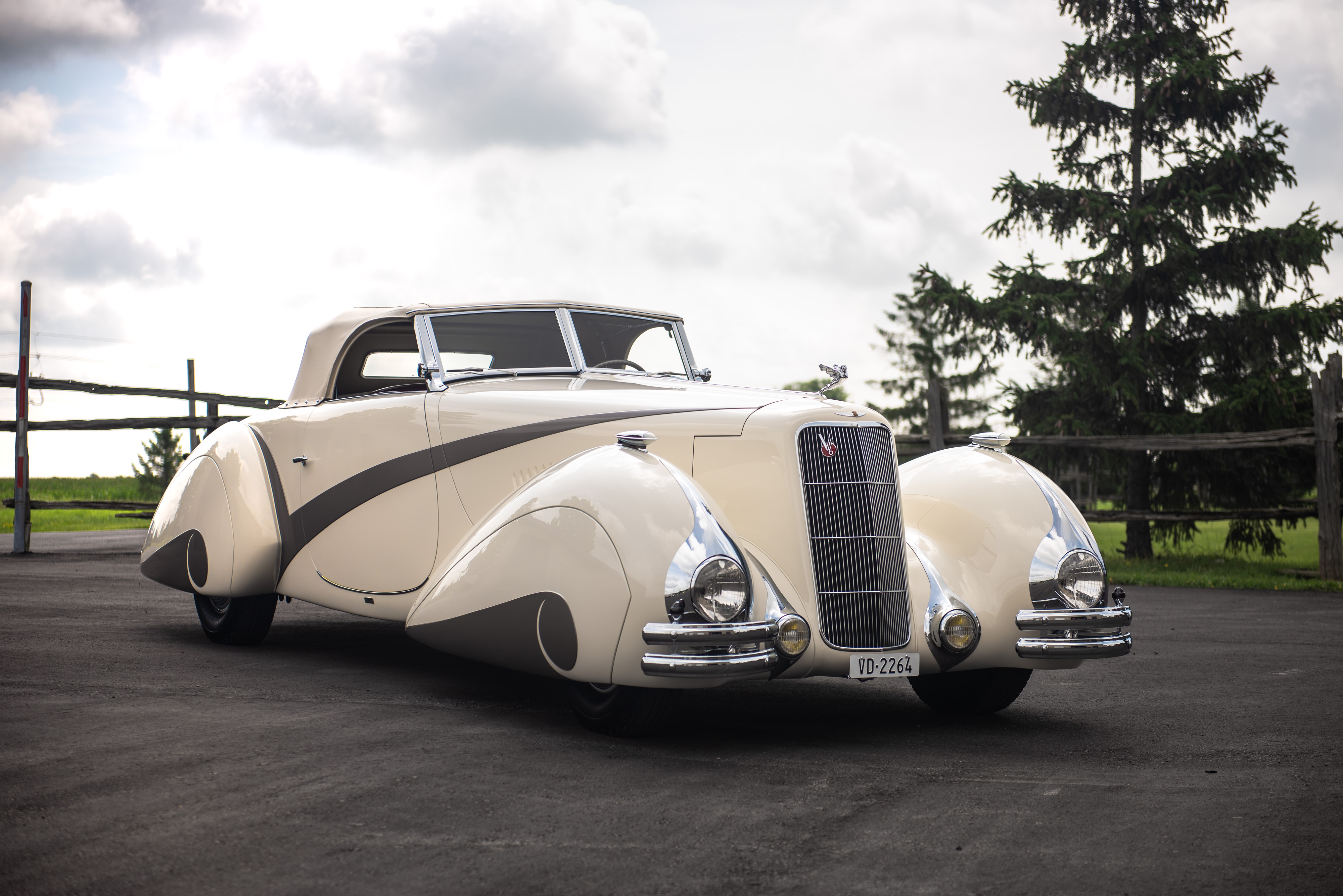 1937_CadillacSeries90Roadster_001